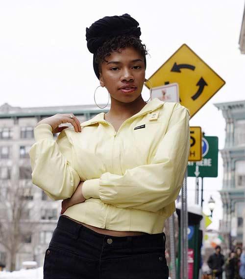 Las mejores tendencias de la moda de los años 80: chaqueta y bandana sólo para miembros