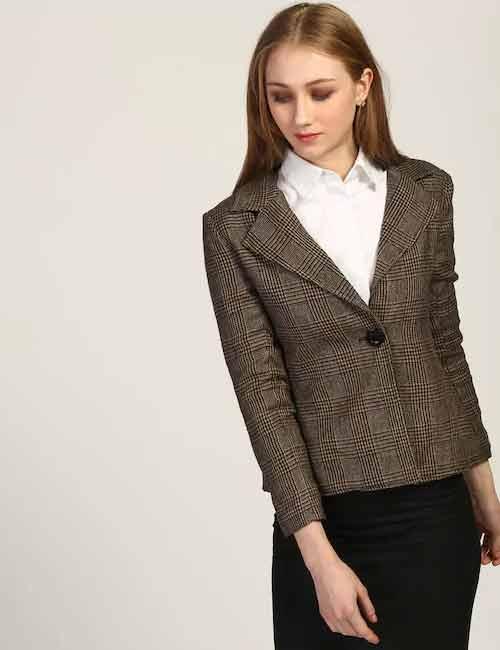 Como llevar un blazer - Blazer con camisa de botón