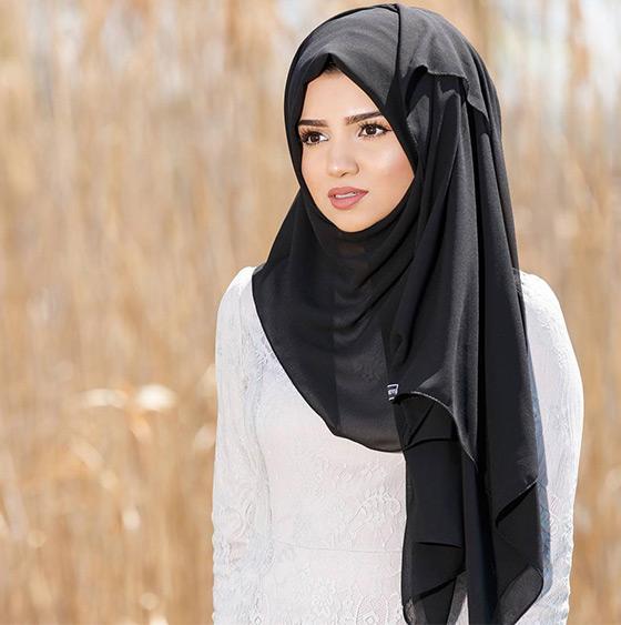 Estilo Hijab fijado en el lateral
