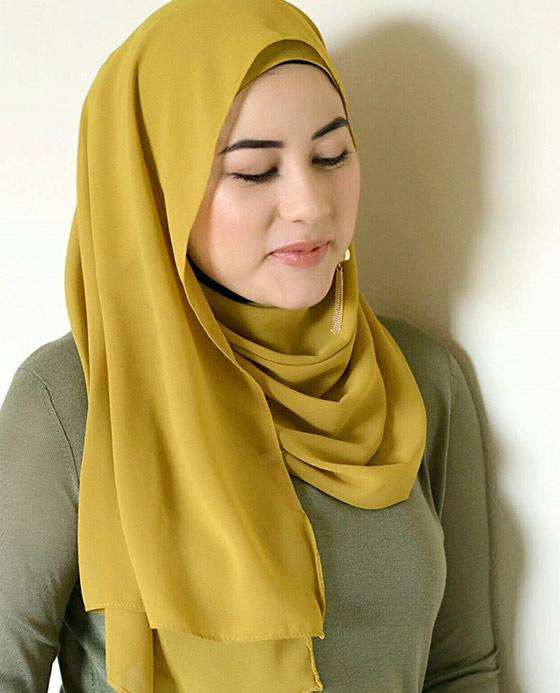 Estilo Hijab para la cara grande