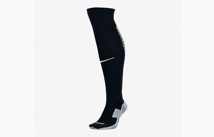 6. Calcetines de rodilla
