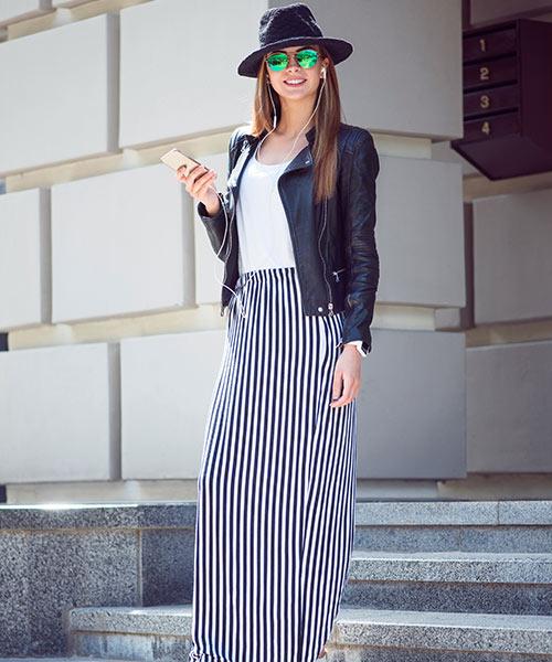 Como llevar una falda máxima - Falda maxi de rayas verticales con chaqueta y botas